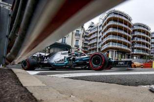 Dankzij een fout van Hamilton kon Verstappen Bottas in de pitstraat inhalen