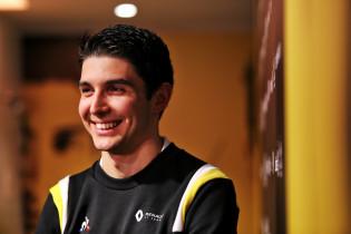 Ocon: 'Met Perez ging het te ver, maar met Verstappen is het een ander verhaal'