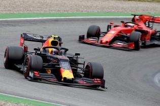 Marko hoopt op Ferrari voor Verstappen: 'Tot op zekere hoogte'