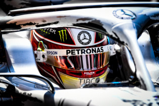 Hamilton verwacht nog geen wereldtitel: 'McLaren en Red Bull worden serieus snel'