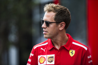 Tremayne voelt mee met Vettel: 'Moet een klap in het gezicht geweest zijn'