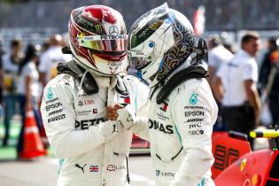 Kovalainen analyseert rijstijl Hamilton: 'Hij remt laat en draait de auto snel'