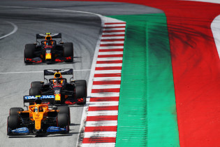 Seidl: 'Mercedes en Verstappen daargelaten, het gaat er in 2021 om spannen'