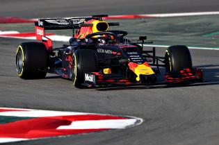 Foto's | Verstappen in actie bij de eerste testdag op het circuit van Barcelona