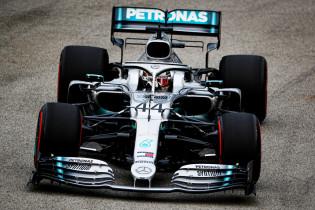 'Mercedes blijft definitief in F1 en biedt Hamilton nieuw contract tot 2022'