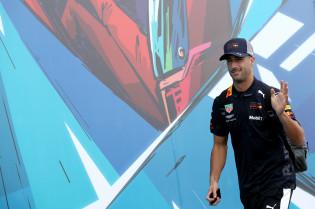 Abiteboul zag megavreugde na vastleggen Ricciardo: 'Heb nog nooit een dergelijke reactie gezien'