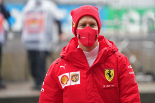 Hoofdstrateeg Ferrari: 'Race van Vettel werd aangetast door zijn eigen fout'