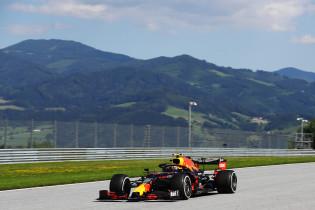Uitslag VT1 Stiermarken | Verstappen op P2 door terughoudend Mercedes