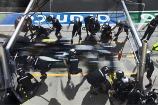 Mercedes: 'Op haast even oude banden kwam Bottas nooit langs Verstappen'