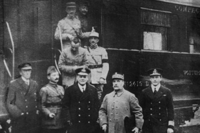 Eerste Wereldoorlog 100 jaar geleden beëindigd; wereldleiders herdenken gezamenlijk