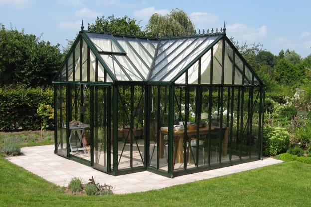 De victoriaanse kas: een fraaie toevoeging aan je tuin