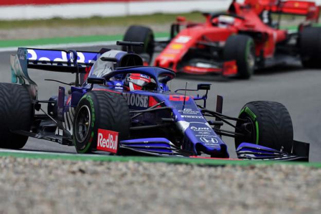 Champagne voor Toro Rosso-duo: 'We danken de regengoden'