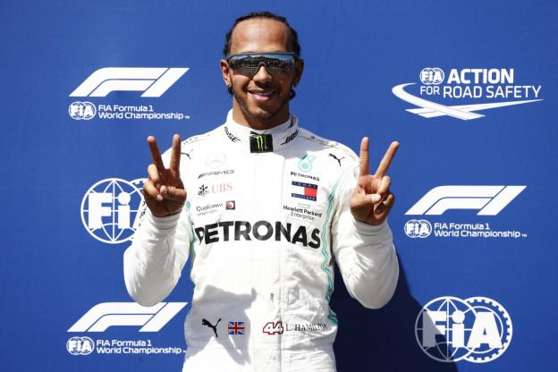 Button waarschuwt Hamilton: 'Een coureur die bij zinnen is, doet dat niet'