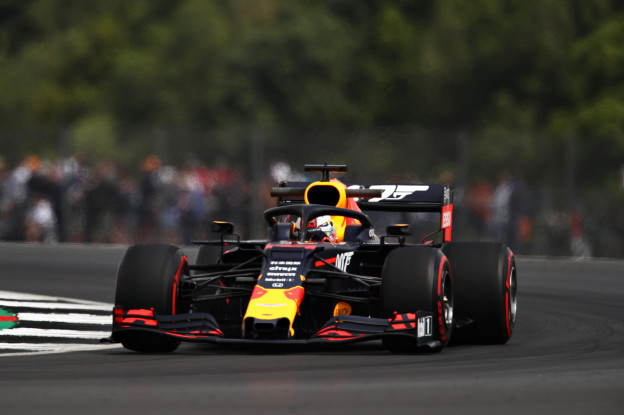 Crash Red Bull-coureur maakt einde aan testdagen Pirelli