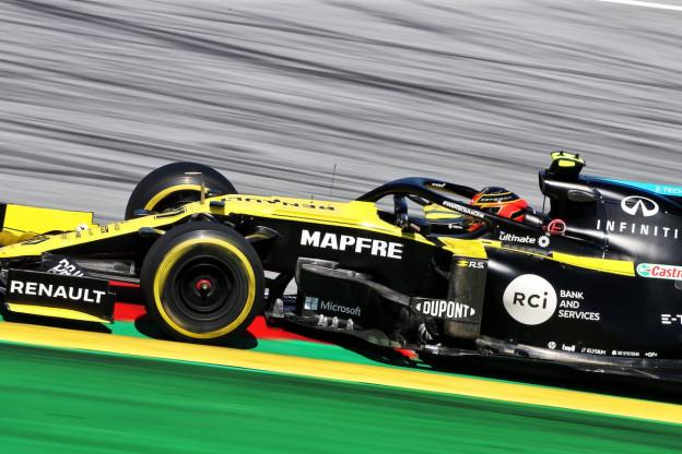 Renault breekt avondklok, team ontdekt scheur in chassis Ricciardo