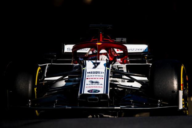 Raikkonen wacht geduldig op doorontwikkeling: 'Dat doen grote teams sneller'
