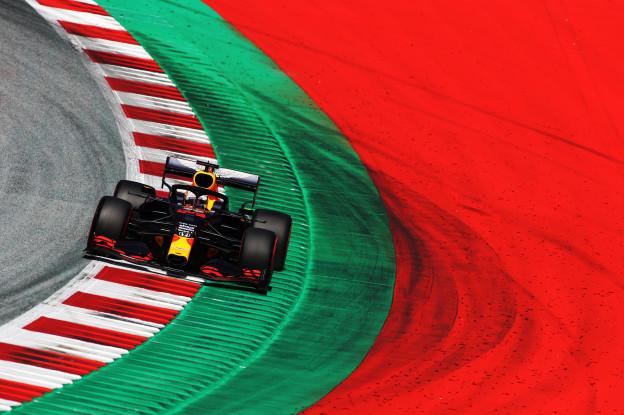 Mercedes oppermachtig in GP van Stiermarken, Ferrari de schlemiel