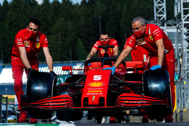 Internationale media: 'Hamilton perfect, Ferrari explodeert'
