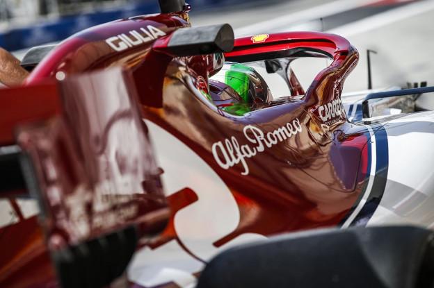 Giovinazzi incasseert gridstraf voor blokkeren Hulkenberg
