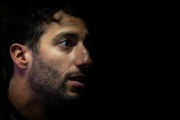Ricciardo sprak niet met Renault over prestaties: 'Ze zijn bang om mij te verliezen'