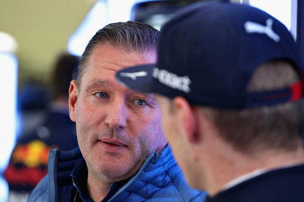 Update | Doornbos: 'Red Bull was niet blij met Jos Verstappen na uitbarsting op TV'