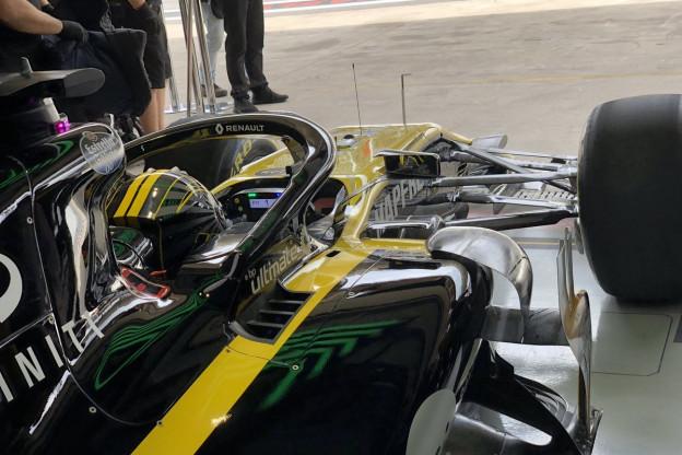 Boordradio's VT1 | Ricciardo rijdt bijna monteur aan: 'Sorry'