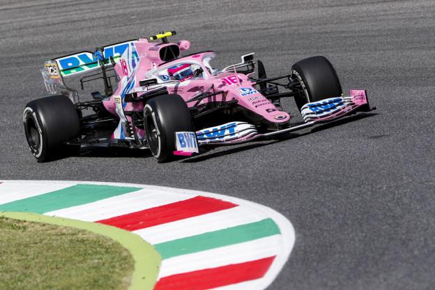 F1 Techniek | Racing Point met beide sidepods in Sochi aangekomen