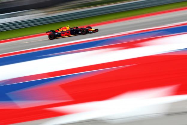 Raikkonen wint in Austin, Verstappen bekroont inhaalrace met fantastische P2