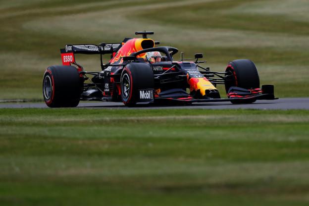 Pirelli verwacht slijtageslag in Spanje: 'Meest veeleisende race op dit circuit'