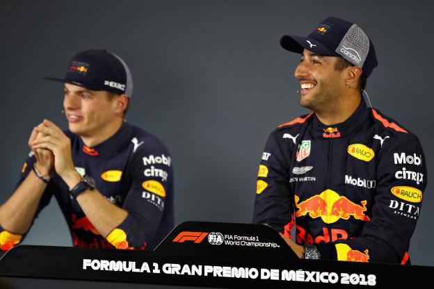 Ricciardo wilde Verstappen voorblijven: 'Maar hij kwam met te veel snelheid aanzetten'