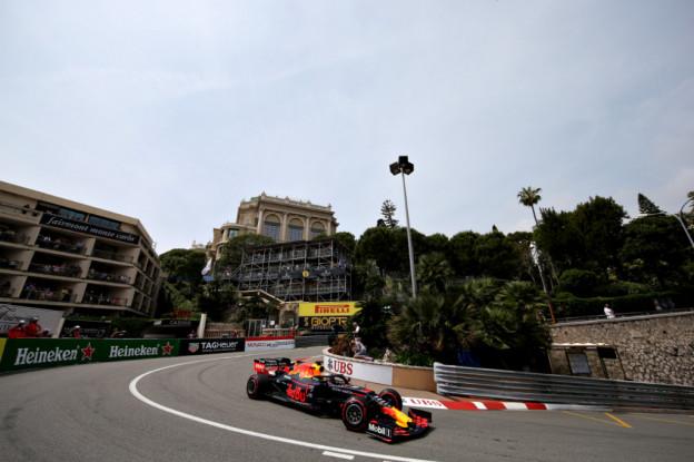VT3 | Verstappen op P4, Vettel crasht, Leclerc de snelste maar in dubio