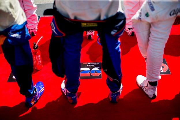 Kvyat kan niet kiezen tussen simulator Red Bull of Ferrari: 'Zou niet eerlijk zijn'