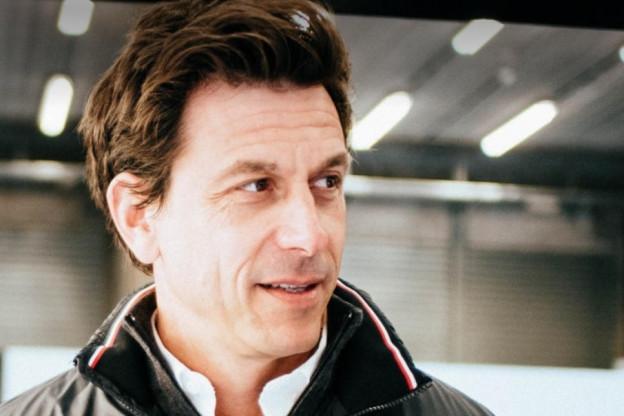 Toto Wolff voert druk bij Bottas op: 'Ocon is een optie voor Mercedes'