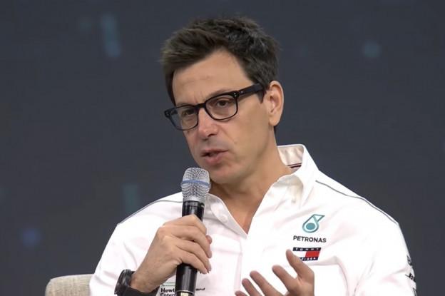 Wolff kraakt nieuwe aerodynamica: 'We hebben de vuile lucht achter auto al gecreëerd'