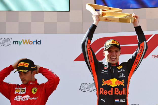 Update | Verstappen reageert op FIA-prijs: 'Gebeurt niet vaak in Formule 1'