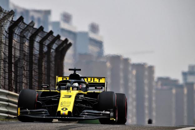 F1-techniek GP Groot-Brittannië | Renault test twee verschillende achtervleugels