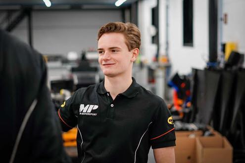 Viscaal wint sprintrace Formule 3 na inhaalactie in laatste bocht