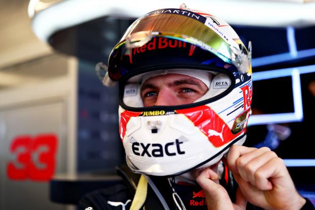 Villeneuve blikt terug op seizoen Verstappen: 'Heel Nederland is nu vast in shock'