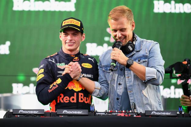 Coronel vindt Verstappen beter dan Vettel: 'Nee, dat is knäckebröd voor Max'