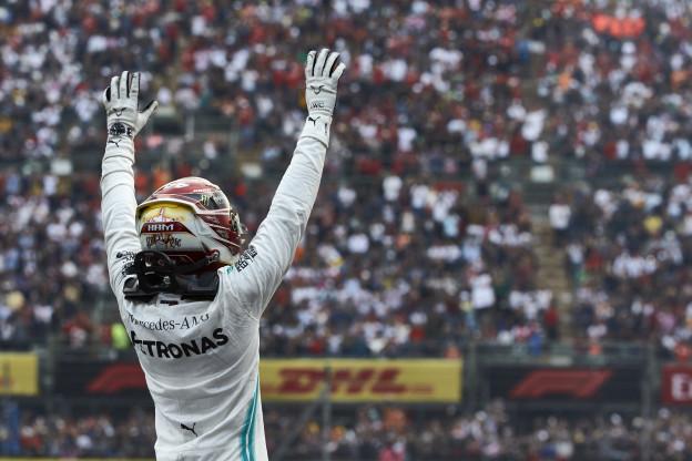 Hamilton waarschuwt: 'In 2020 ben ik een machine'