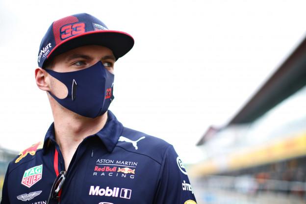 Verstappen hoopvol voor Spaanse GP: 'Ik hoop dat ze last krijgen van blaren'