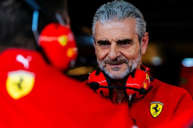 Arrivabene: 'Hoop in 2019 op meer geluk en een nieuwe snor van Vettel'