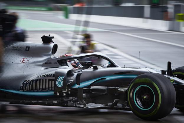 Hamilton tempert verwachtingen: 'Ferrari en Red Bull hier altijd snel'