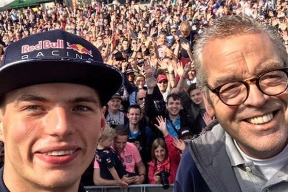 Mol tegen Plooij tijdens interview Verstappen: 'Niks meer vragen!'