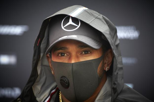 Wolff hekelt kritiek op Hamilton: 'Het is niet eerlijk'