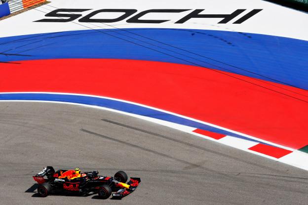 Verslag VT3 | Hamilton de snelste, Renault gaat hard, Verstappen zesde