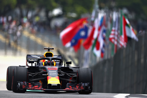 VT2: Verstappen ondanks olielek vijfde, Bottas de snelste