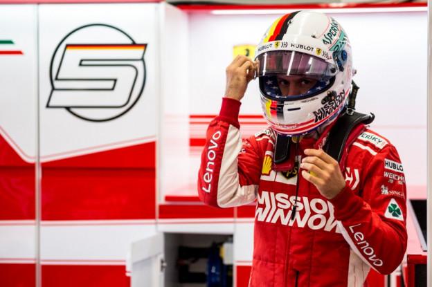 Oud-coureur Burti verklaart foutjes Vettel: 'Hij is te menselijk, Arrivabene afstandelijk en onsympathiek'