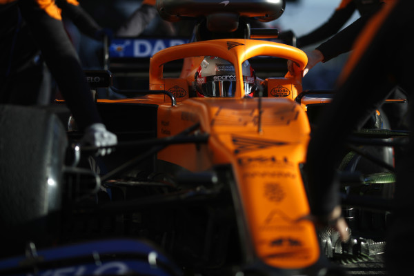 Sainz verwacht weinig van thuisrace: 'We hebben problemen in de hitte'