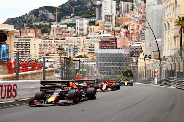 Lammers vergelijkt Verstappen en Leclerc: 'Je ziet hoe goed hij het doet dit jaar'